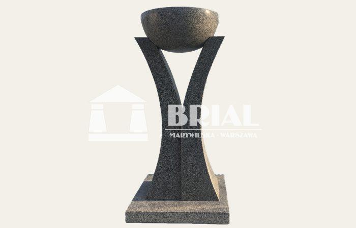 Kropielnica z szarego granitu, chrzcielnica z granitu, granit do obiektów sakralnych, granit do kościoła, granit w kościele, elementy granitowe w kościele