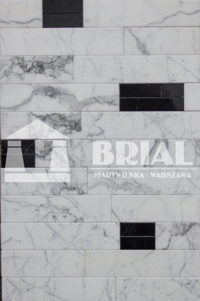 Mozaika Cegiełki z marmurów Negro Marquina i Statuario