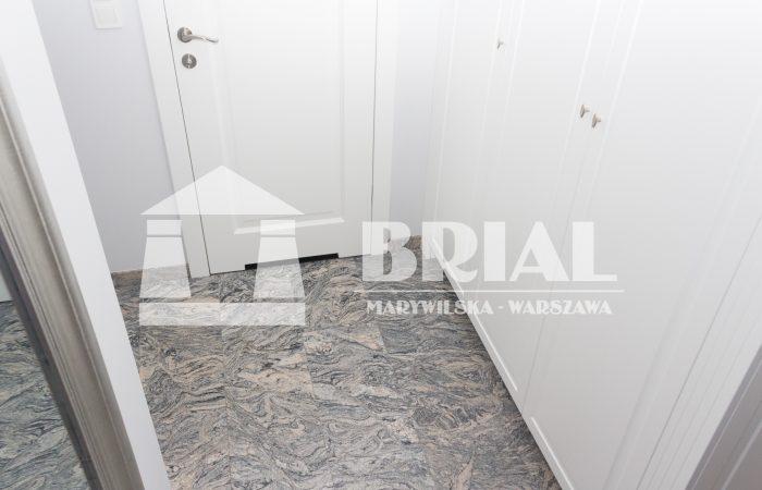 Podłoga z granitu Juparana Colombo, wymiar płytek 61x30,5x1 cm, płytki do kupienia od ręki w Brial Marywilska